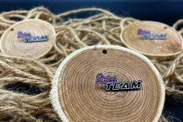 Pins String Team