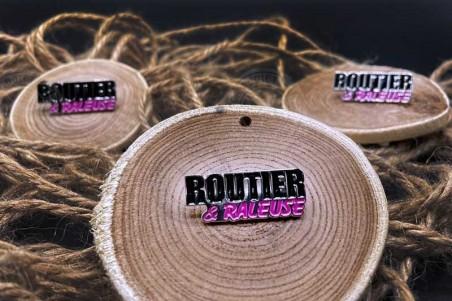 Pins Routier Raleuse